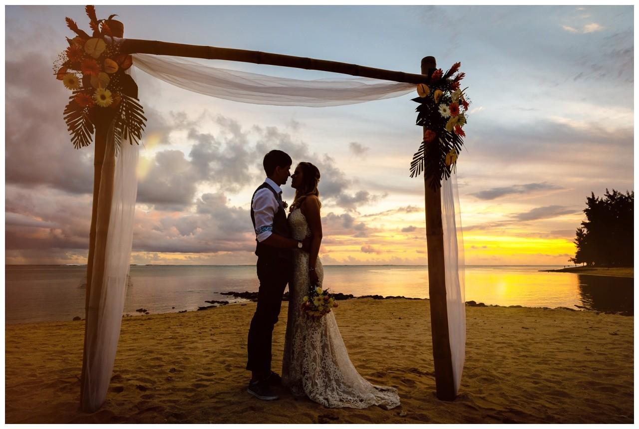 Hochzeit auf Mauritius Hochzeitsfotograf BBQ Party 34 - Hochzeit auf Mauritius mit BBQ Party unter Freunden