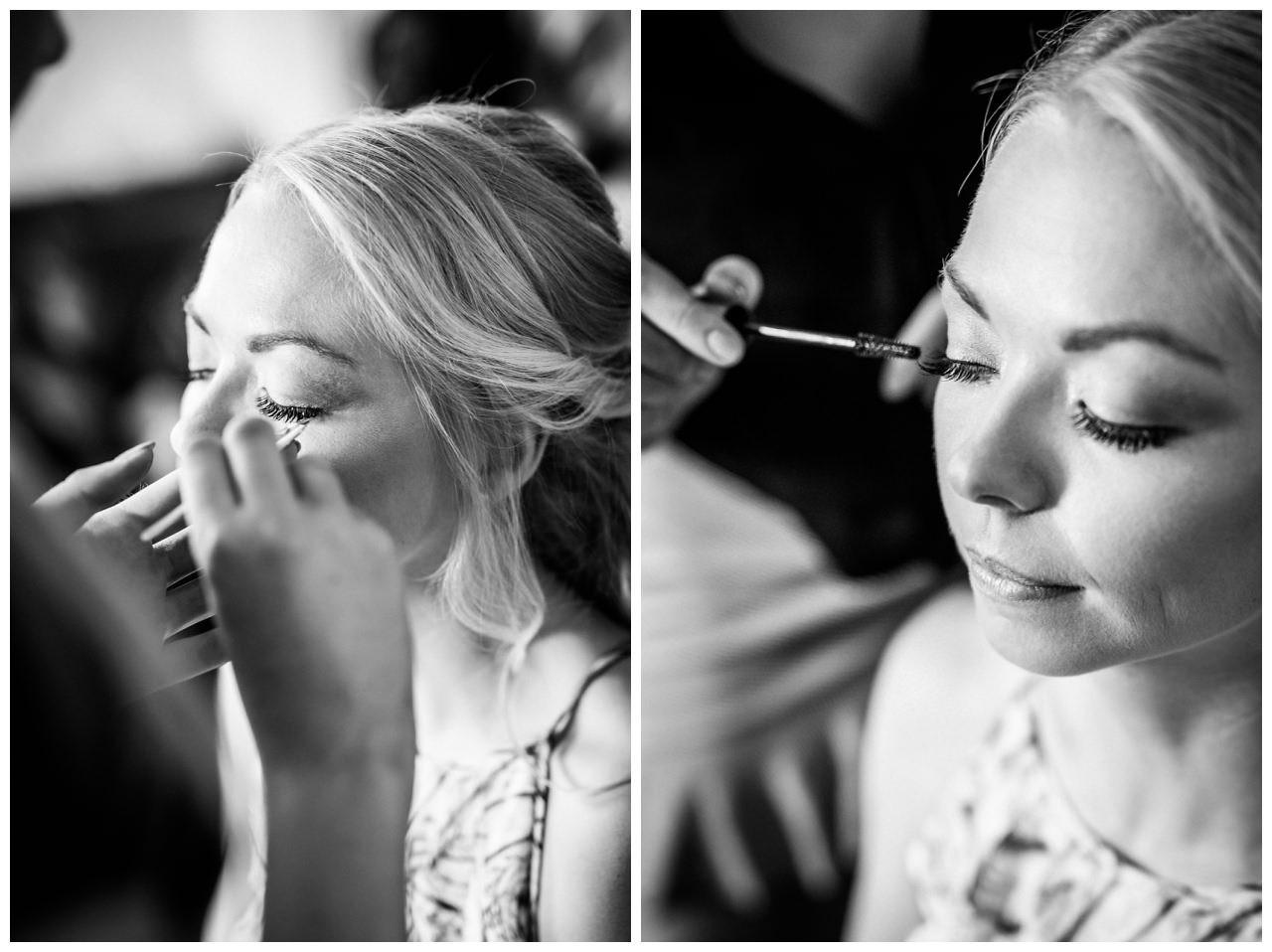 Die Braut bekommt ihr Braut Makeup und Bridalstyling.