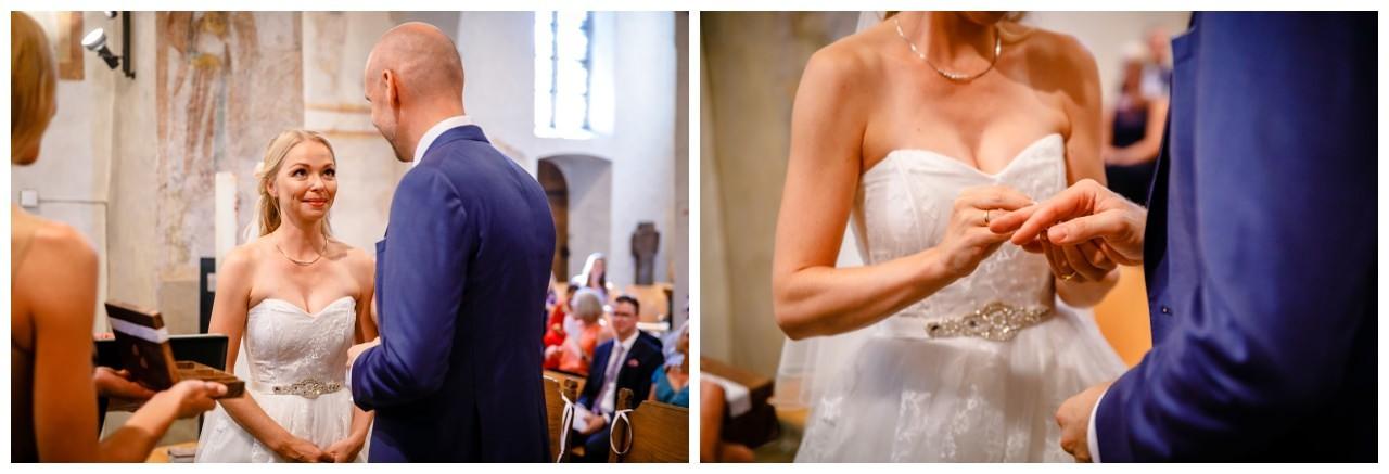 Das JA Wort bei der Hochzeit in der Stiepeler Dorfkirche in Bochum.