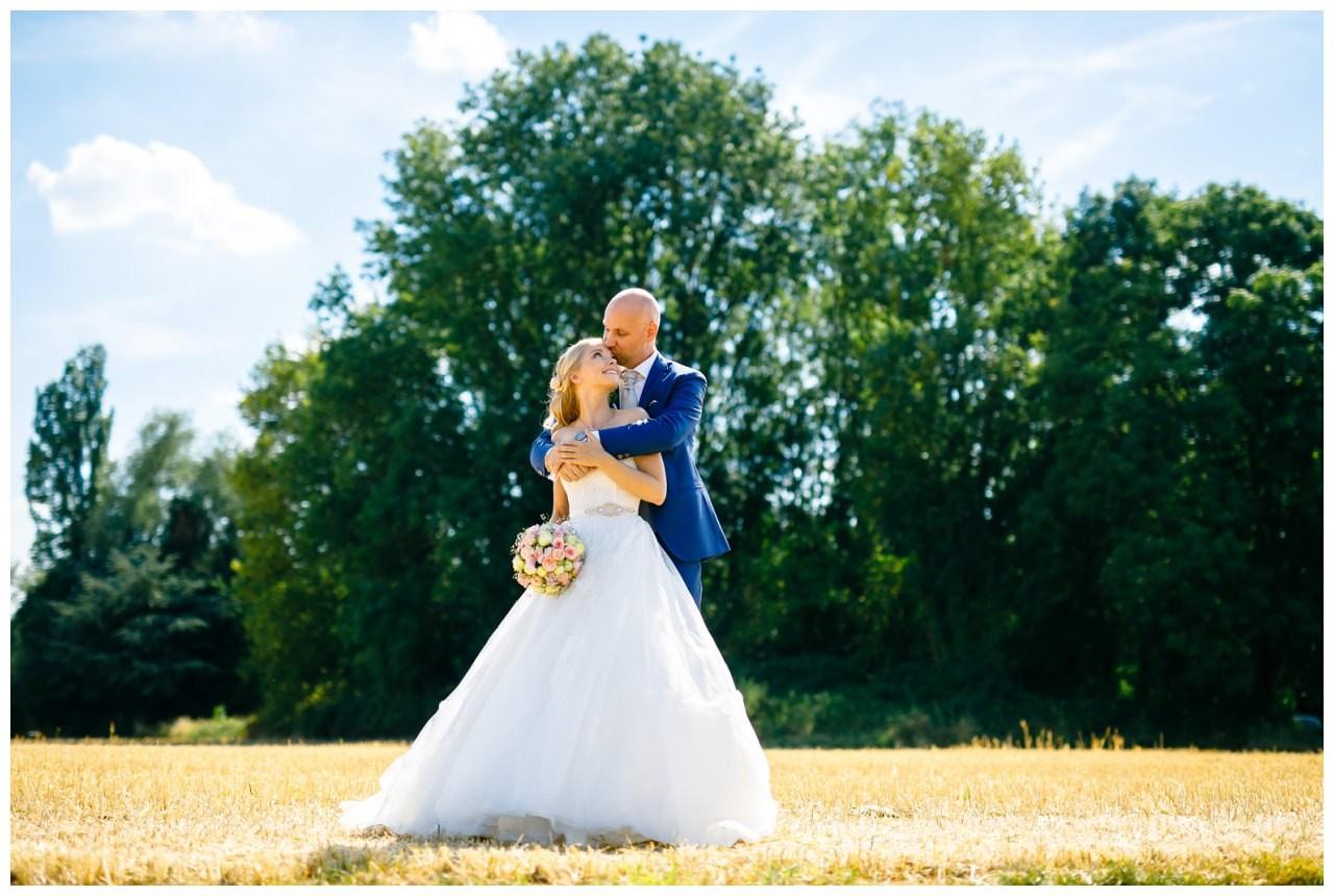 Hochzeitsfoto im Kornfeld in Bochum.