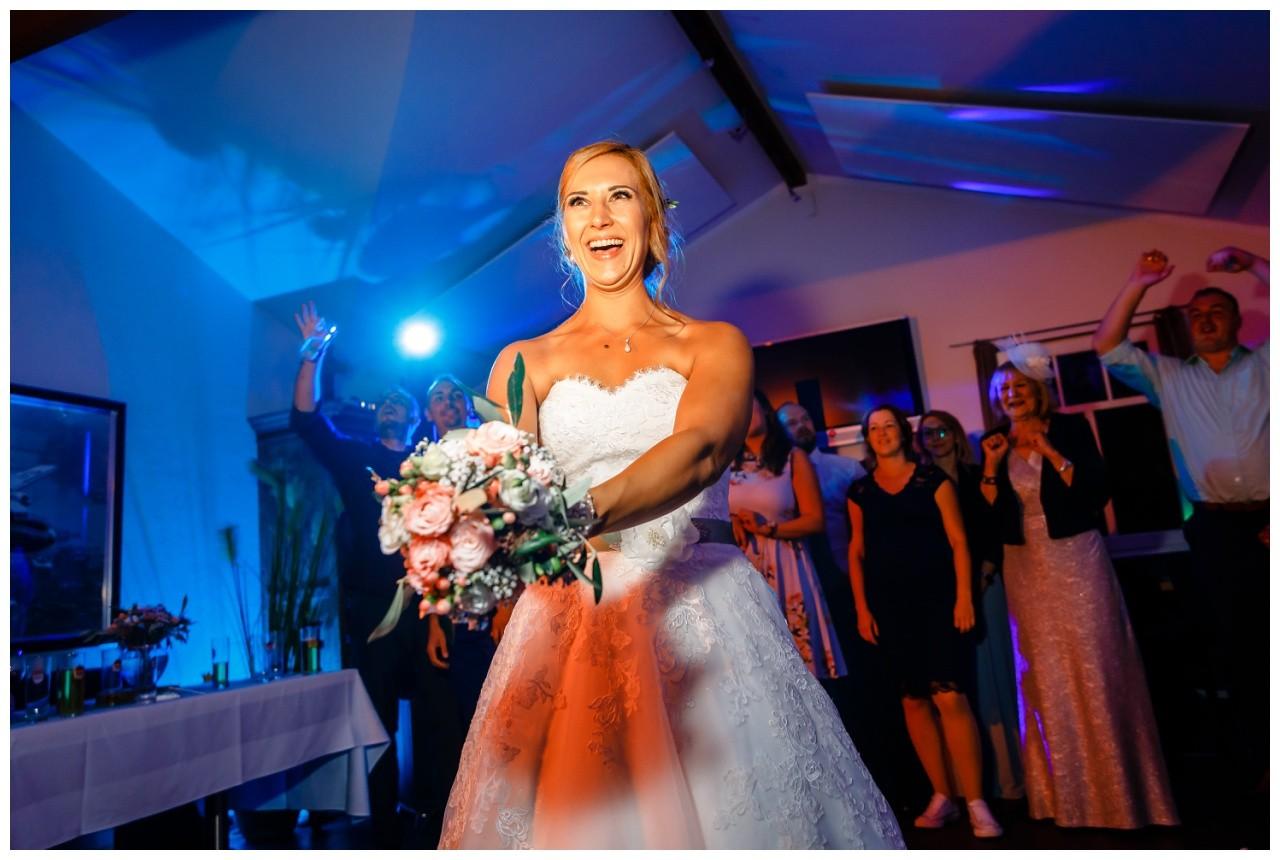 Hochzeit Schloss Eicherhof in Leichlingen Heavens Langenfeld Fotograf 56 - Hochzeit auf Schloss Eicherhof in Leichlingen
