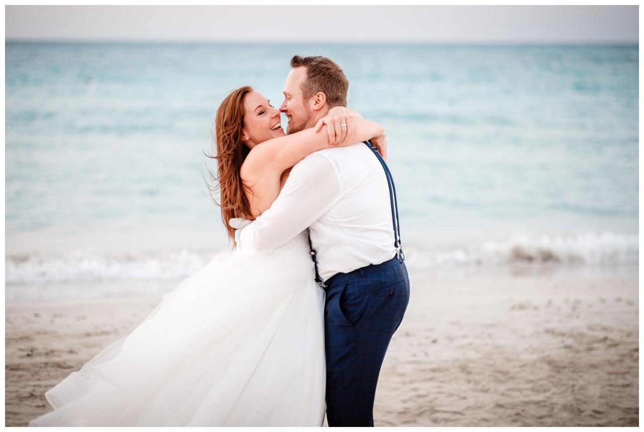 After Wedding Shooting am Strand Hochzeit Hochzeitsfotos Fotograf 14 - Vorteile einer Auslandshochzeit