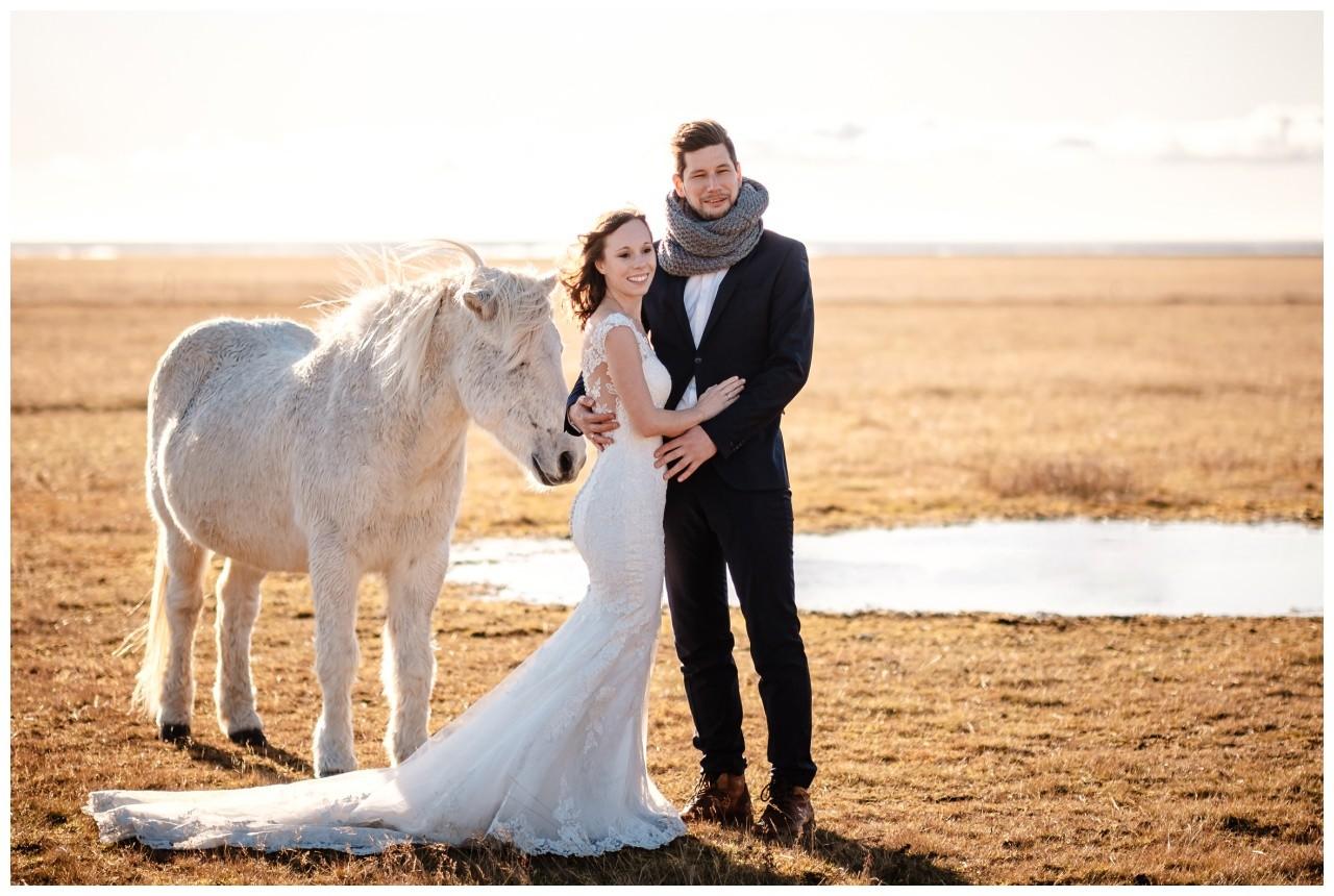 After Wedding Shooting Island Hochzeitsfotos Fotograf 30 - After Wedding Shooting auf Island