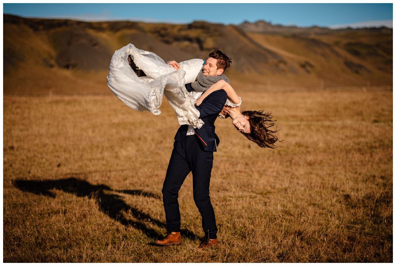 After Wedding Shooting Island Hochzeitsfotos Fotograf 33 - After Wedding Shooting auf Island