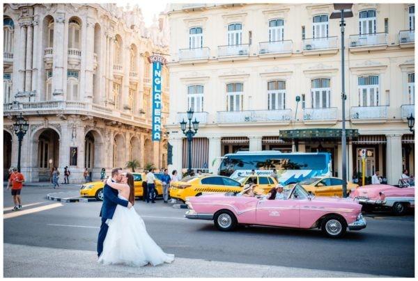 Hochzeitsfoto in Havanna 600x404 - Hochzeitsfotograf Ausland