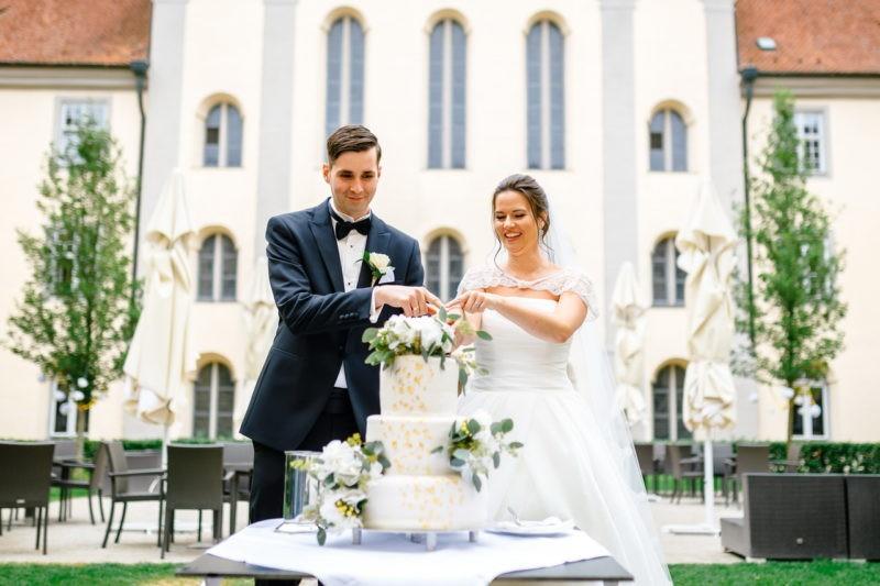 Hochzeitstorte Wedding Cake Tortenanschnitt 007 800x533 - Hochzeitstorten Bildergalerie