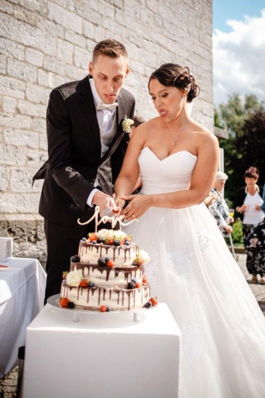 Hochzeitstorte Wedding Cake Tortenanschnitt 015 533x800 - Hochzeitstorten Bildergalerie