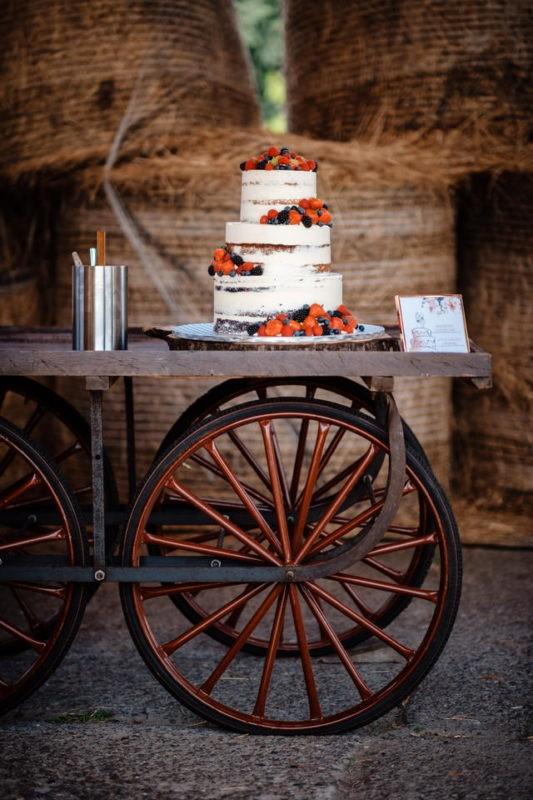 Hochzeitstorte Wedding Cake Tortenanschnitt 026 533x800 - Hochzeitstorten Bildergalerie