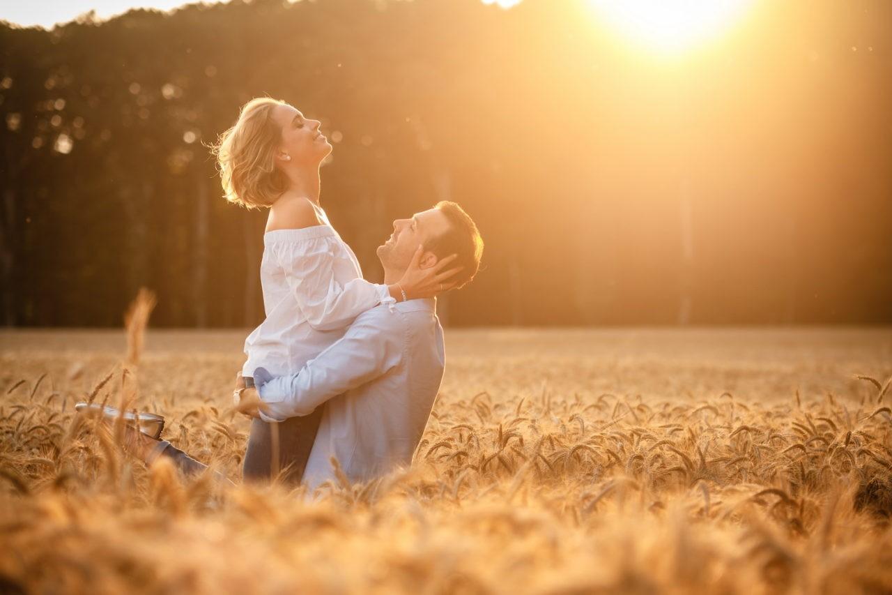engagement shooting vor der hochzeit paarfotos 051 1280x853 - Portfolio - Unsere schönsten Hochzeitsfotos