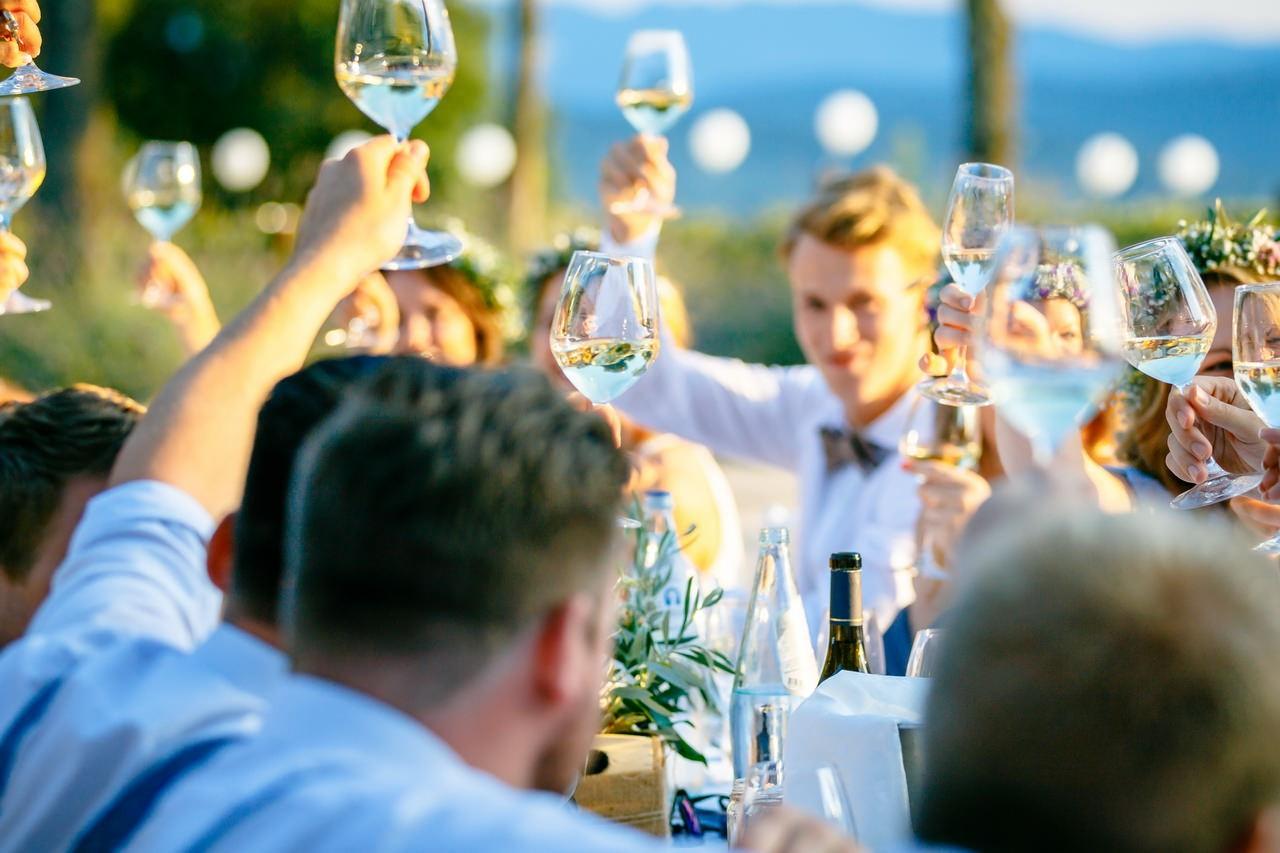 fotos hochzeitfeier partyfotos familie freunde feier 006 - Planung einer Hochzeit im Ausland