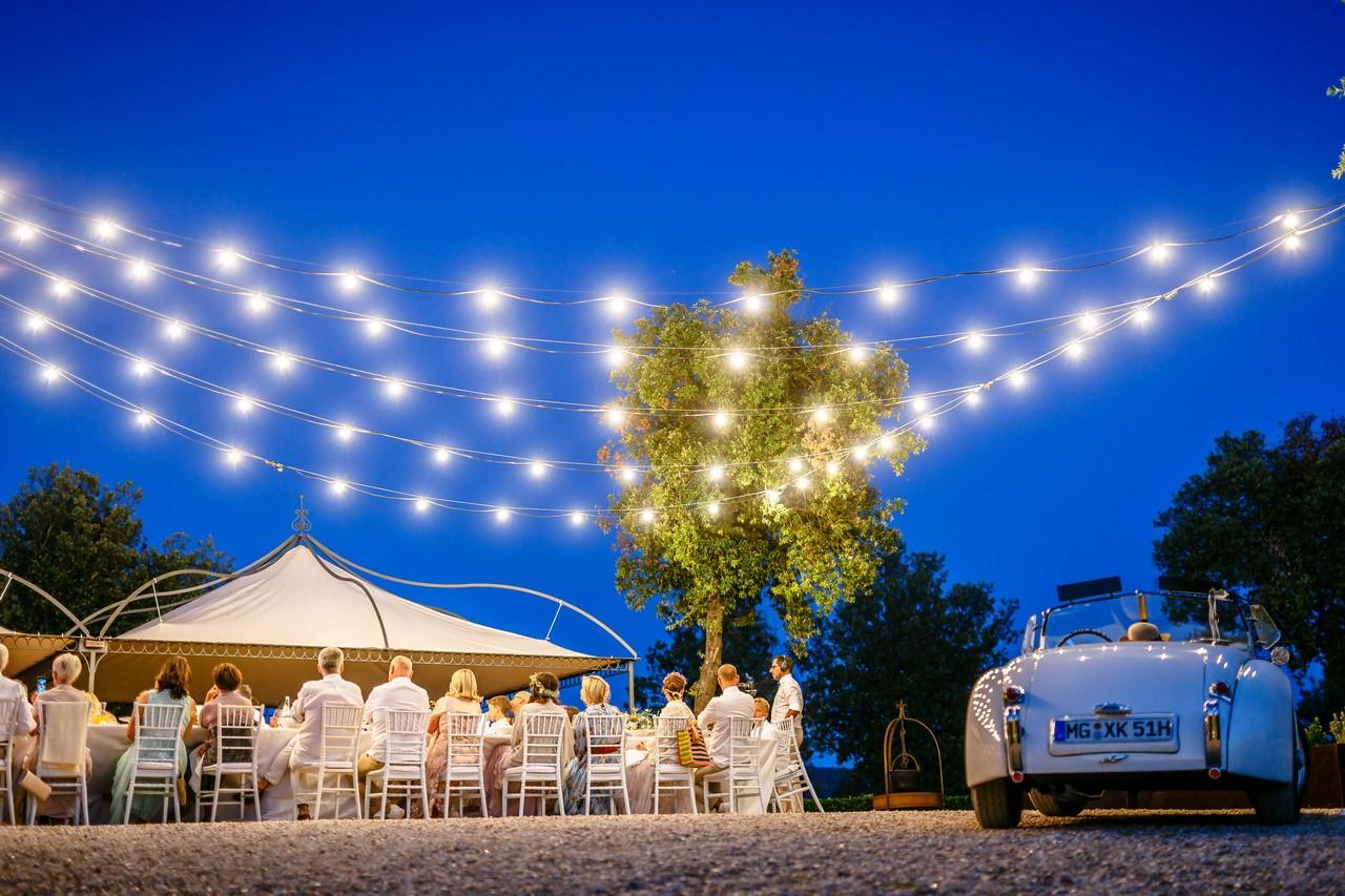 fotos hochzeitfeier partyfotos familie freunde feier 009 - Planung einer Hochzeit im Ausland