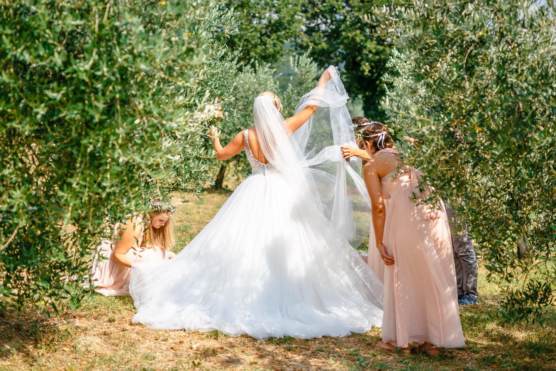 getting ready bodoir brautstyling hochzeitsfotos 024 - Planung einer Hochzeit im Ausland
