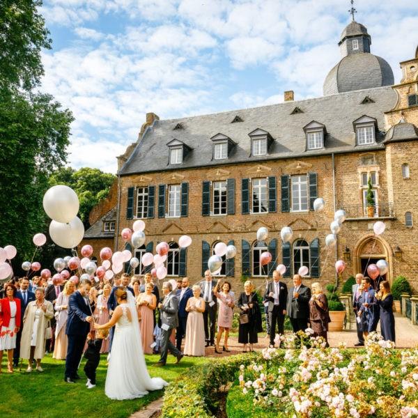 Hochzeit Burg Bergerhausen Köln Location Heiraten Hochzeitslocation NRW Fotograf 34 600x600 - Burg Bergerhausen in Köln - Hochzeitslocation NRW