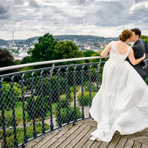 Hochzeit Elisenhöhe Wuppertal Heiraten Elisenturm Location Hochzeitslocation NRW Fotograf 3 600x600 - Elisenhöhe in Wuppertal - Hochzeitslocation NRW