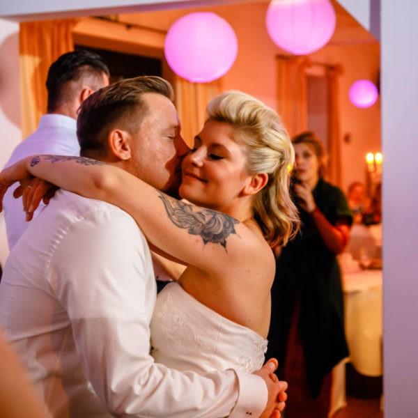 Hochzeit Kaiserhof Willich Heiraten Hochzeitslocation NRW Fotograf 36 600x600 - Kaiserhof Willich - Hochzeitslocation NRW