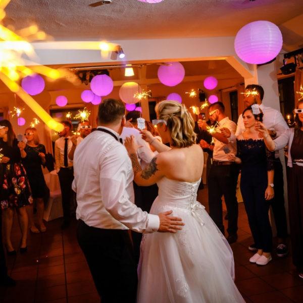 Hochzeit Kaiserhof Willich Heiraten Hochzeitslocation NRW Fotograf 38 600x600 - Kaiserhof Willich - Hochzeitslocation NRW
