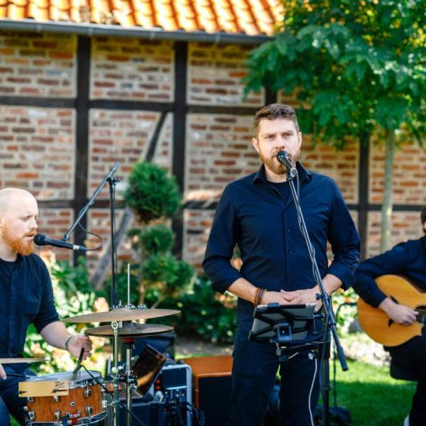 Hochzeit Kaiserhof Willich Heiraten Hochzeitslocation NRW Fotograf 4 600x600 - Kaiserhof Willich - Hochzeitslocation NRW