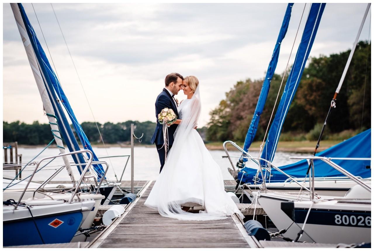 Hochzeit Seeblick Haltern Fotograf Heiraten Elegant  80 - Hochzeit im Seeblick in Haltern