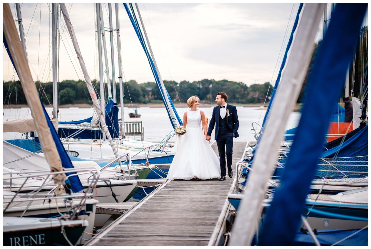 Hochzeit Seeblick Haltern Fotograf Heiraten Elegant  83 - Hochzeit im Seeblick in Haltern