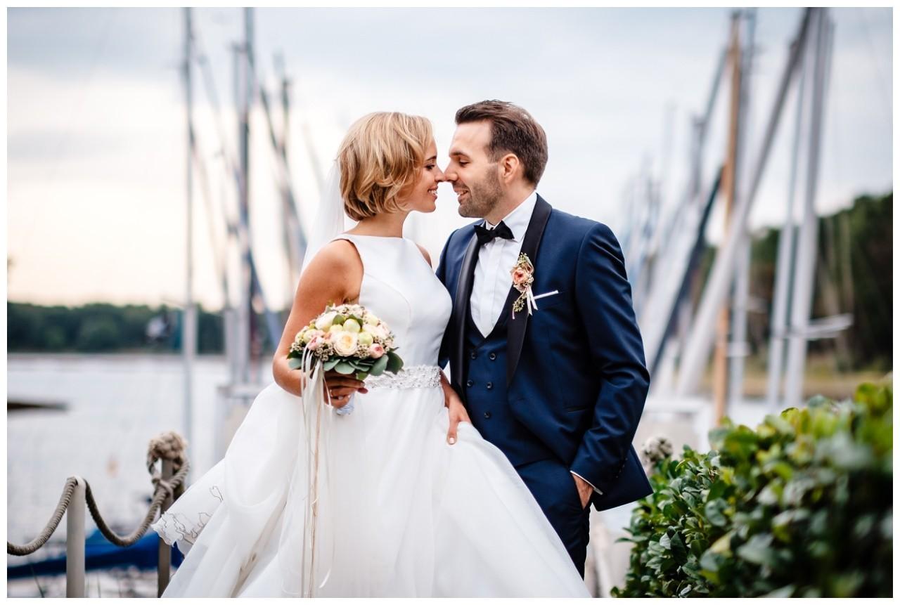 Hochzeit Seeblick Haltern Fotograf Heiraten Elegant  84 - Hochzeit im Seeblick in Haltern