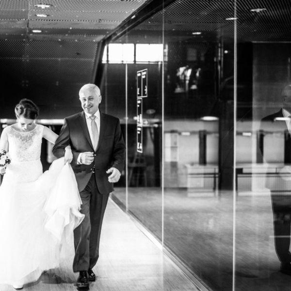 Hochzeit Zeche Zollverein Erich Brost Pavillon Heiraten Location Hochzeitslocation NRW Fotograf 27 600x600 - Erich Brost Pavillon Zeche Zollverein Essen - Hochzeitslocation NRW