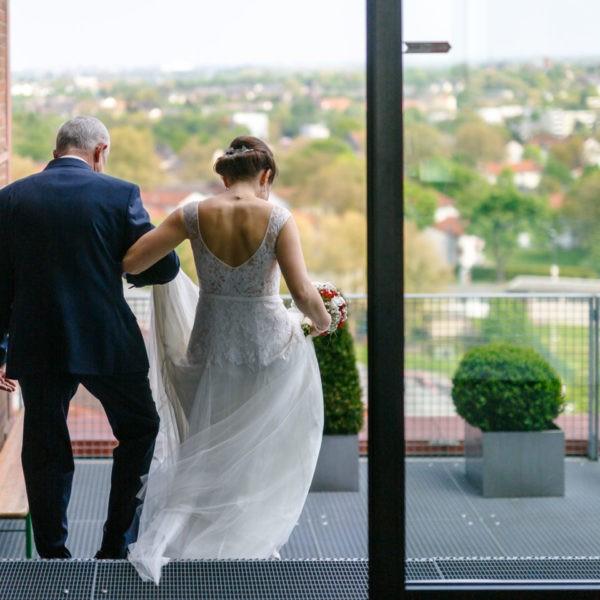 Hochzeit Zeche Zollverein Erich Brost Pavillon Heiraten Location Hochzeitslocation NRW Fotograf 28 600x600 - Erich Brost Pavillon Zeche Zollverein Essen - Hochzeitslocation NRW