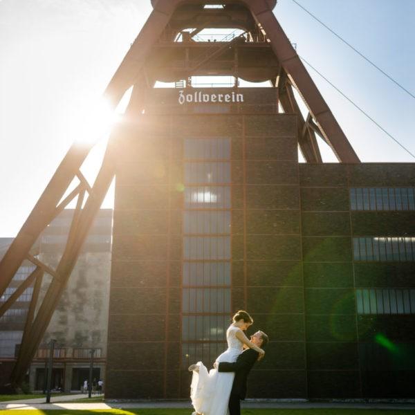 Hochzeit Zeche Zollverein Erich Brost Pavillon Heiraten Location Hochzeitslocation NRW Fotograf 33 600x600 - Erich Brost Pavillon Zeche Zollverein Essen - Hochzeitslocation NRW