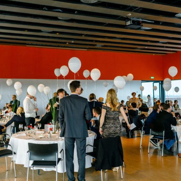 Hochzeit Zeche Zollverein Erich Brost Pavillon Heiraten Location Hochzeitslocation NRW Fotograf 36 600x600 - Erich Brost Pavillon Zeche Zollverein Essen - Hochzeitslocation NRW