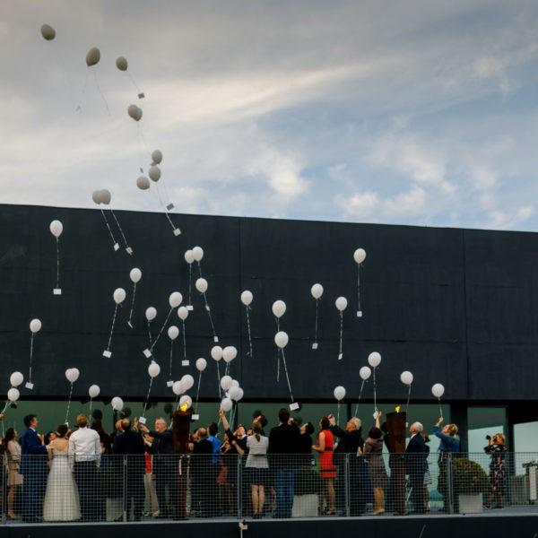 Hochzeit Zeche Zollverein Erich Brost Pavillon Heiraten Location Hochzeitslocation NRW Fotograf 37 600x600 - Erich Brost Pavillon Zeche Zollverein Essen - Hochzeitslocation NRW
