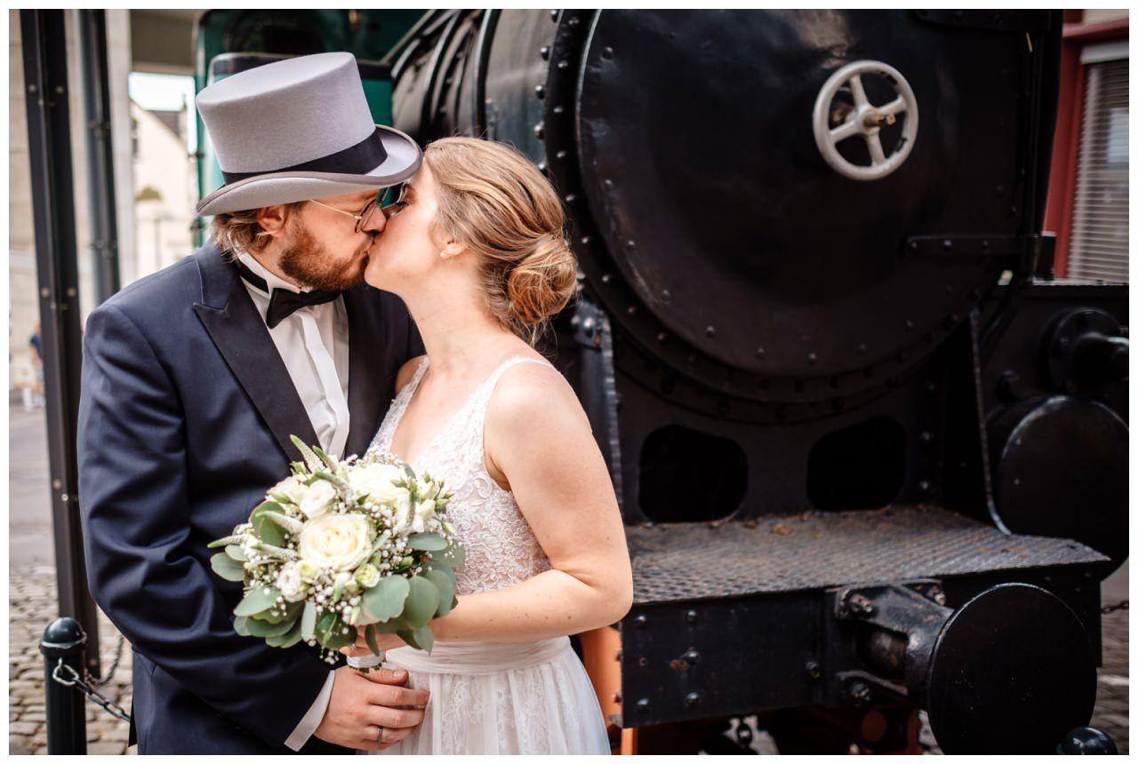 hochzeit koenigswinter drachenfels drachenburg heiraten hochzeitsfotograf leverkusen 41 - Hochzeit auf dem Drachenfels in Königswinter