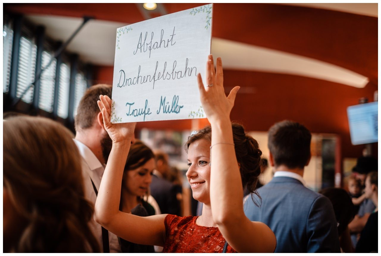 hochzeit koenigswinter drachenfels drachenburg heiraten hochzeitsfotograf leverkusen 42 - Hochzeit auf dem Drachenfels in Königswinter