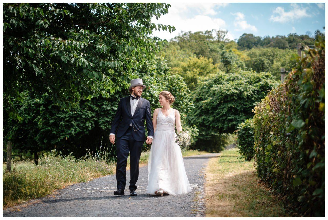 hochzeit koenigswinter drachenfels drachenburg heiraten hochzeitsfotograf leverkusen 46 - Hochzeit auf dem Drachenfels in Königswinter