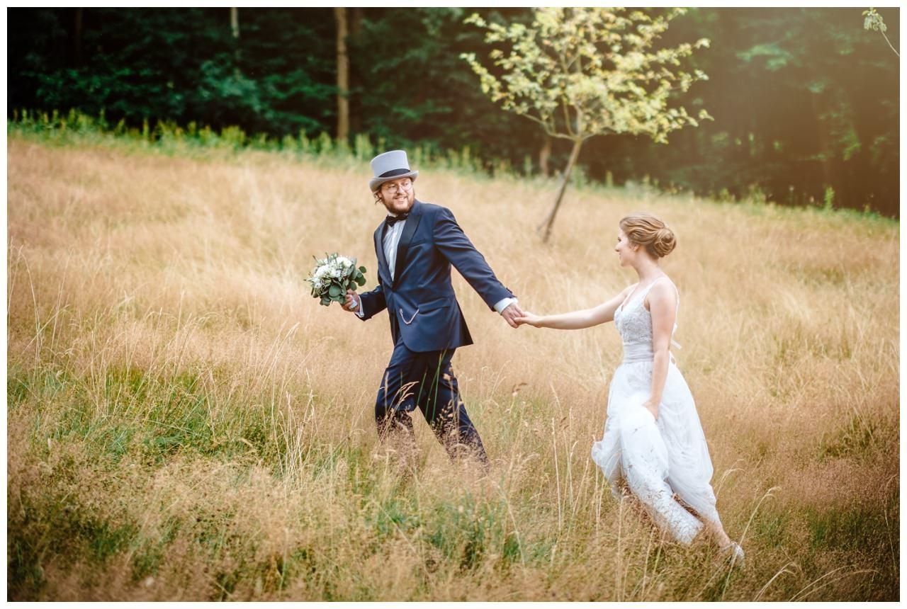 hochzeit koenigswinter drachenfels drachenburg heiraten hochzeitsfotograf leverkusen 52 - Hochzeit auf dem Drachenfels in Königswinter