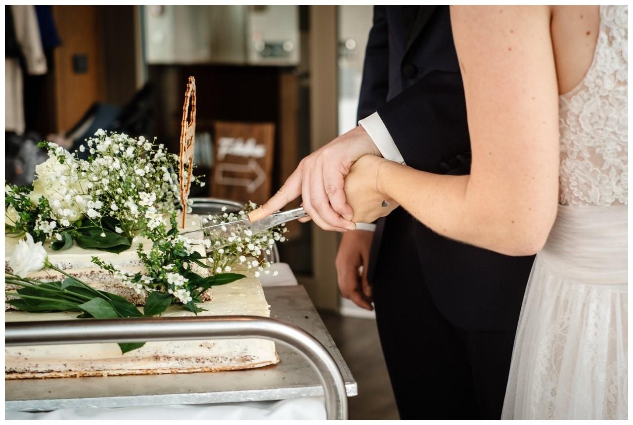 hochzeit koenigswinter drachenfels drachenburg heiraten hochzeitsfotograf leverkusen 65 - Hochzeit auf dem Drachenfels in Königswinter