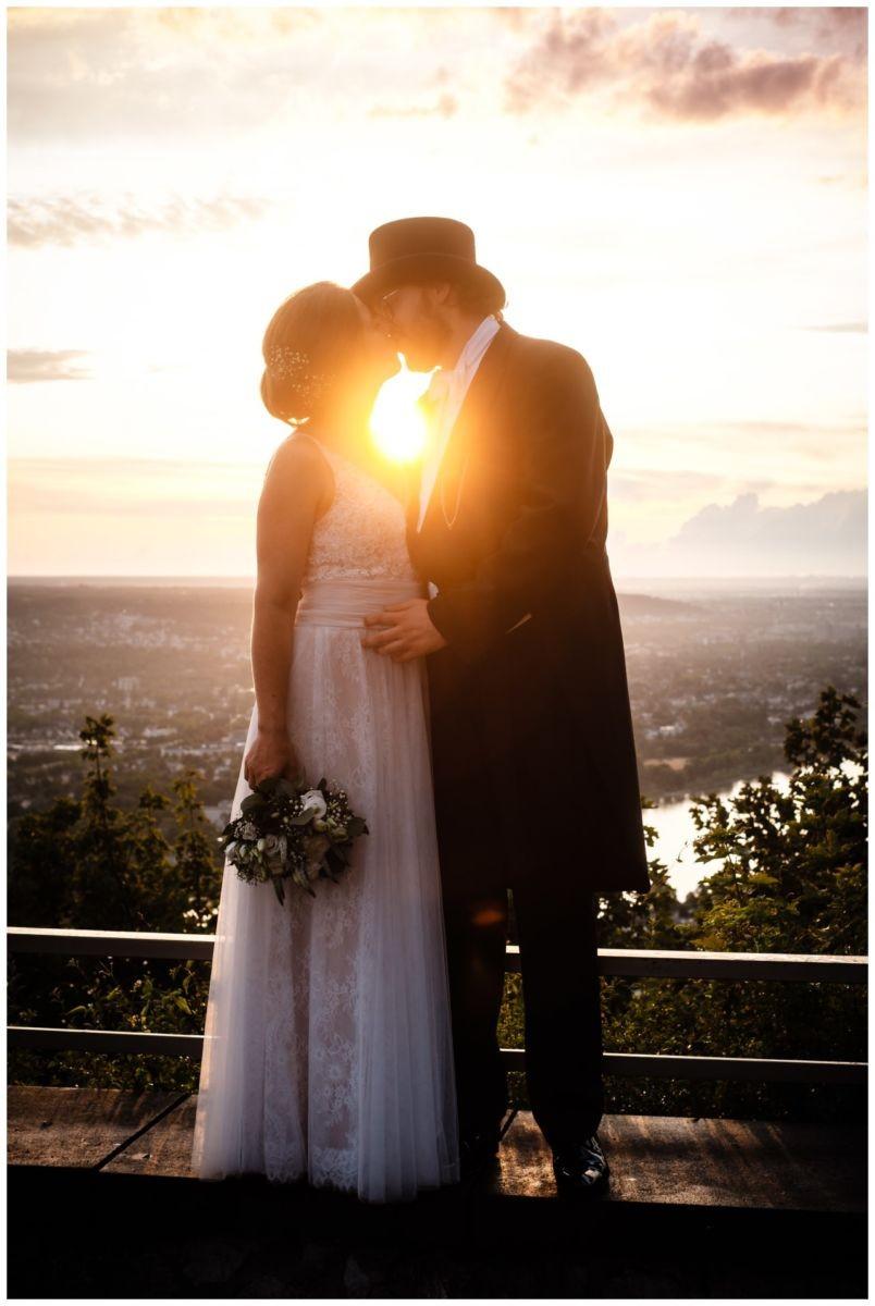 hochzeit koenigswinter drachenfels drachenburg heiraten hochzeitsfotograf leverkusen 74 - Hochzeit auf dem Drachenfels in Königswinter