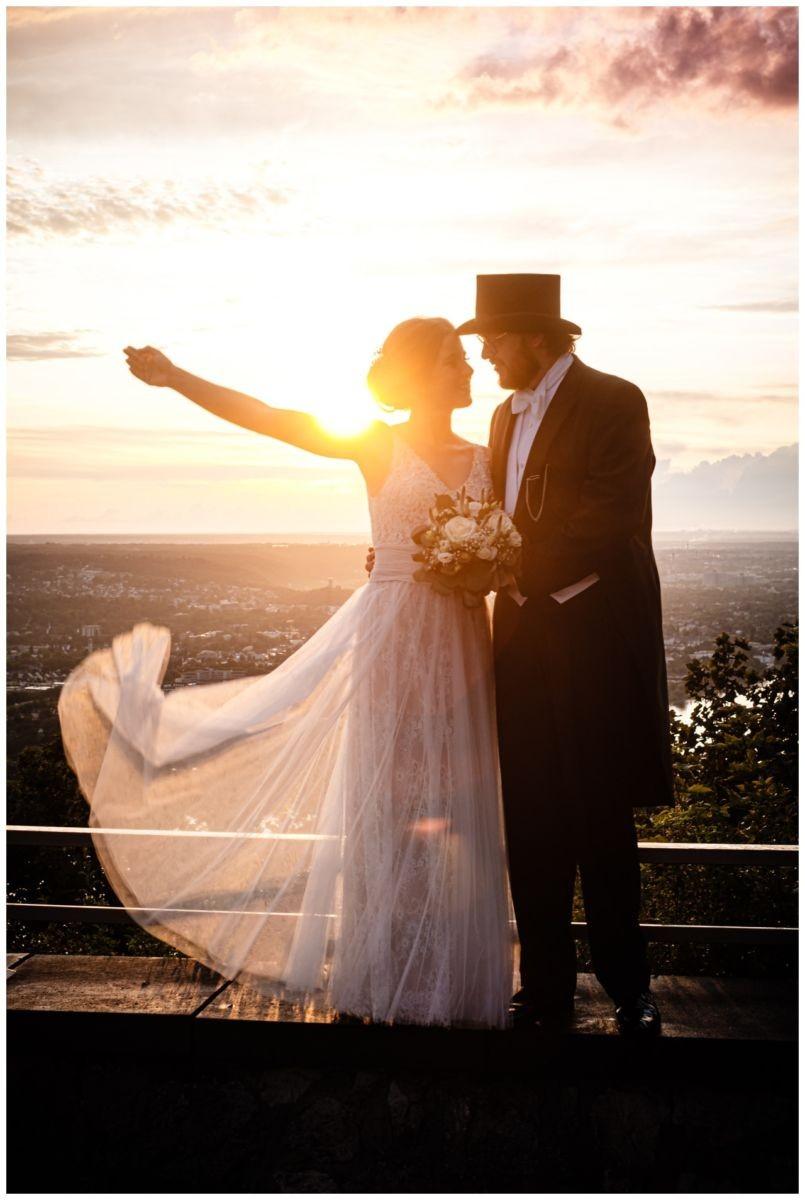 hochzeit koenigswinter drachenfels drachenburg heiraten hochzeitsfotograf leverkusen 75 - Hochzeit auf dem Drachenfels in Königswinter