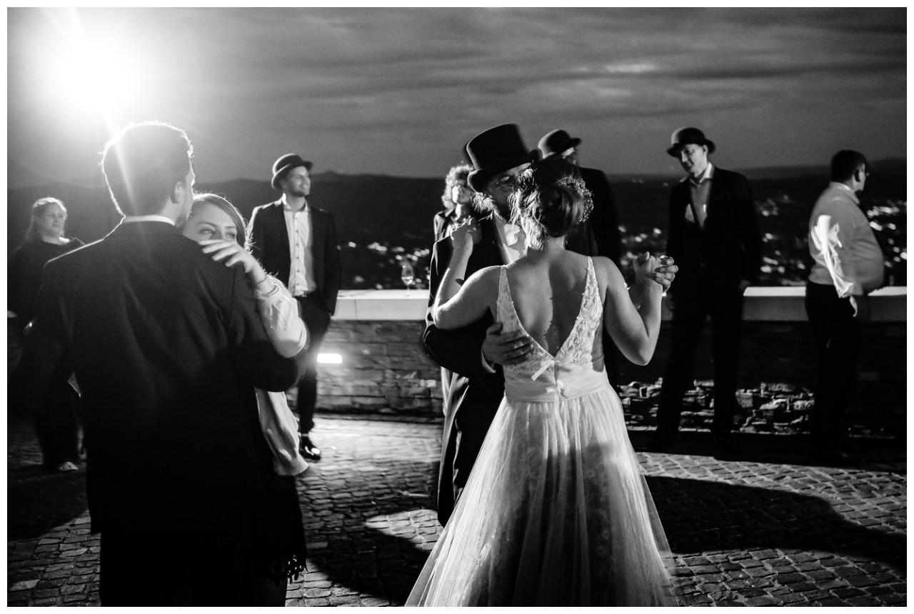 hochzeit koenigswinter drachenfels drachenburg heiraten hochzeitsfotograf leverkusen 85 - Hochzeit auf dem Drachenfels in Königswinter