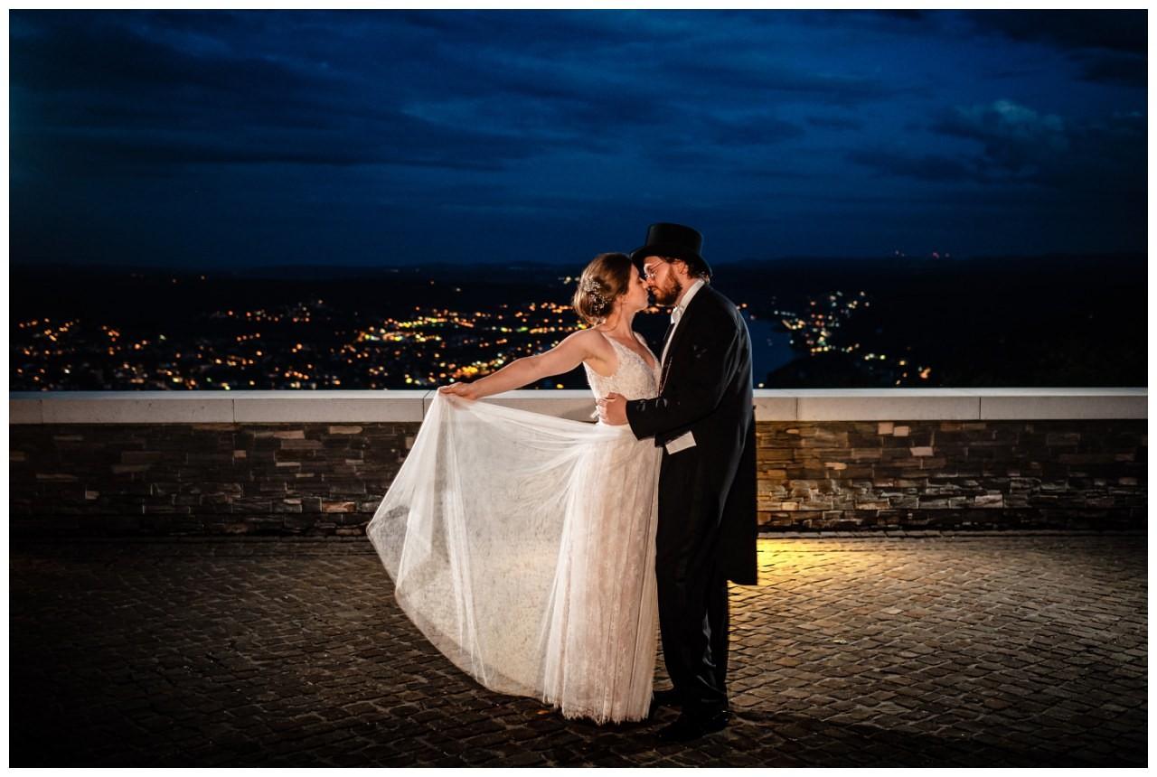 hochzeit koenigswinter drachenfels drachenburg heiraten hochzeitsfotograf leverkusen 86 - Hochzeit auf dem Drachenfels in Königswinter