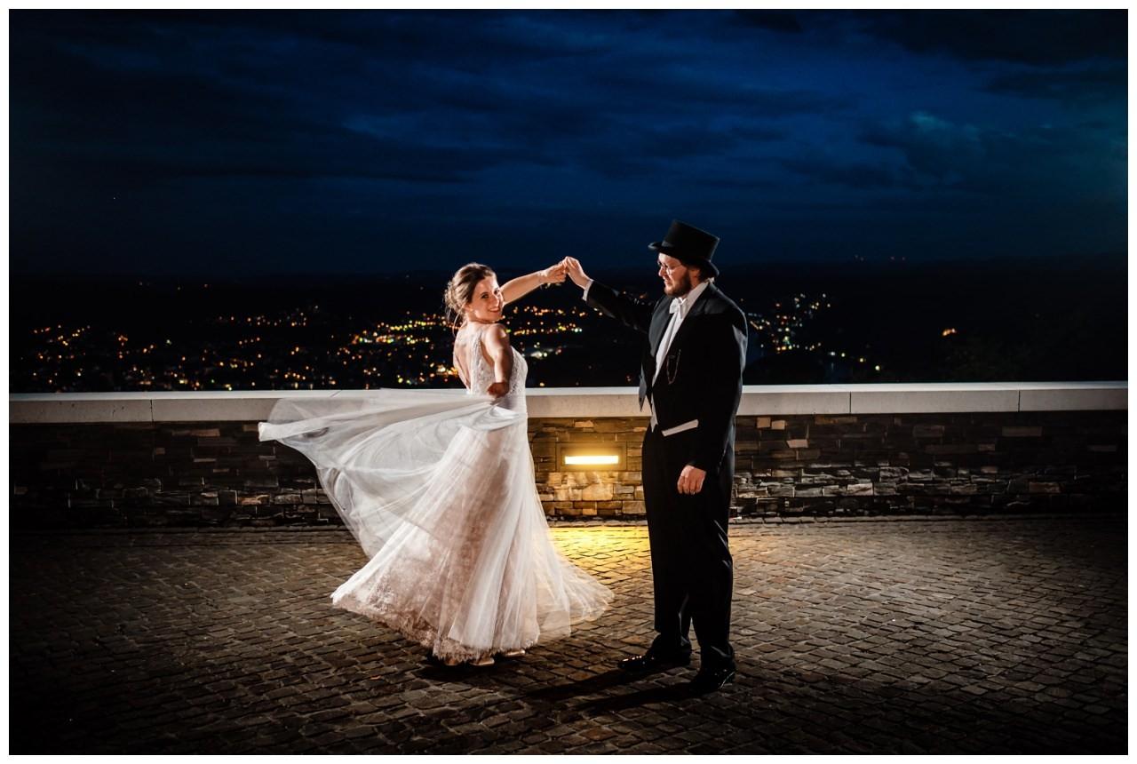 hochzeit koenigswinter drachenfels drachenburg heiraten hochzeitsfotograf leverkusen 87 - Hochzeit auf dem Drachenfels in Königswinter