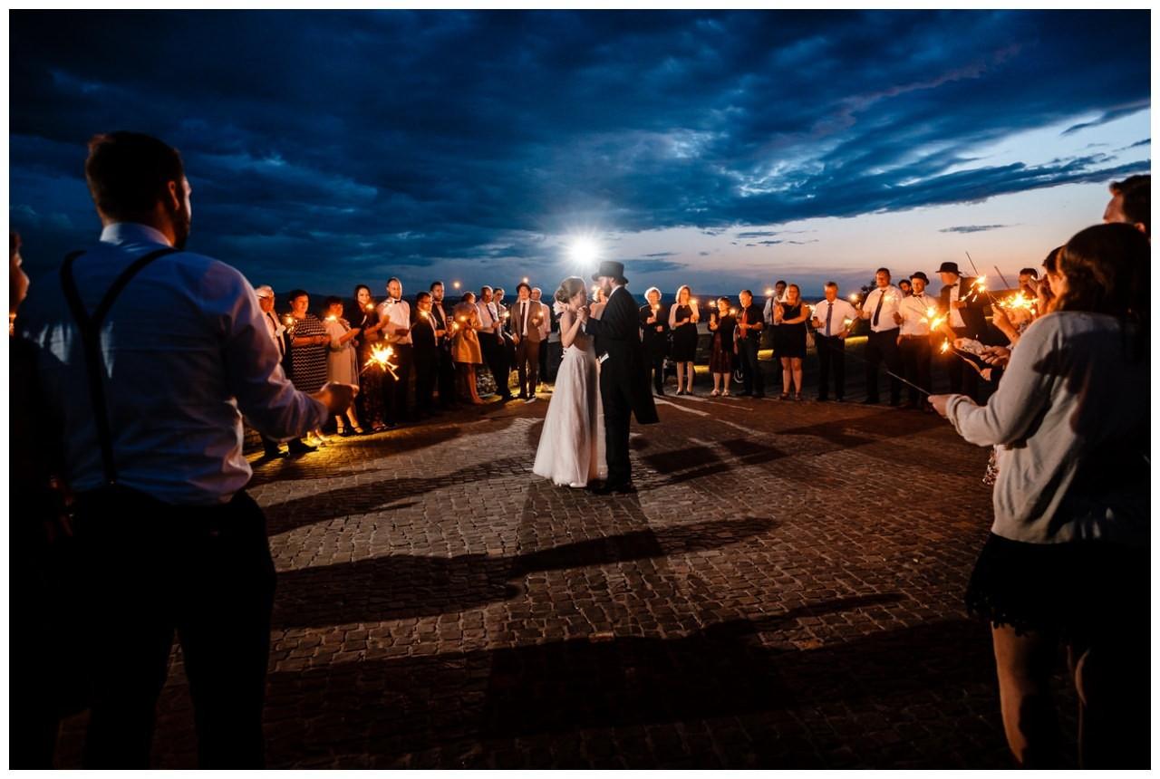 hochzeit koenigswinter drachenfels drachenburg heiraten hochzeitsfotograf leverkusen 88 - Hochzeit auf dem Drachenfels in Königswinter