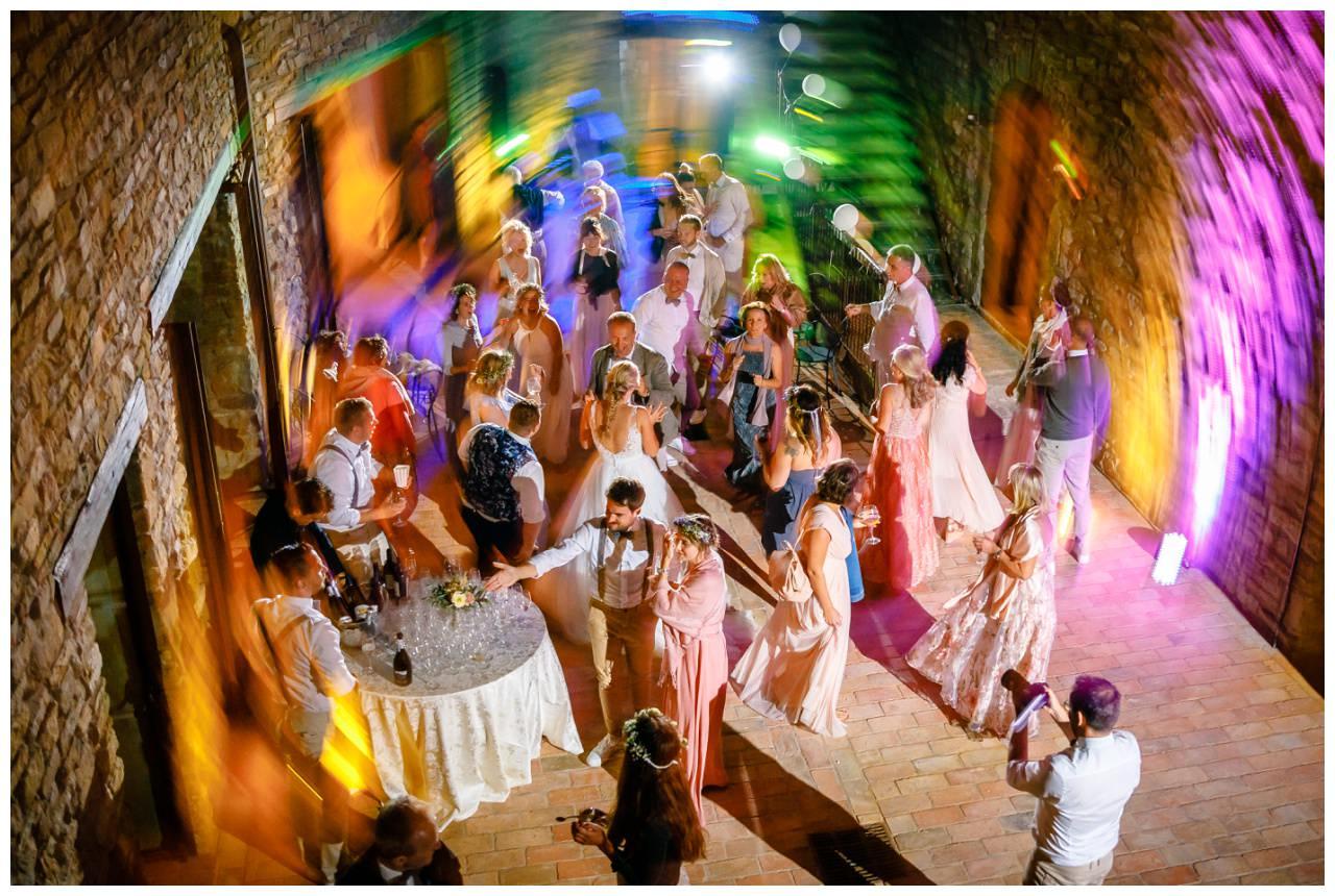 Hochzeit DJ Licht Ton Musik heiraten 2 - Hochzeits-DJ: So findet ihr den perfekten DJ für eure Hochzeit