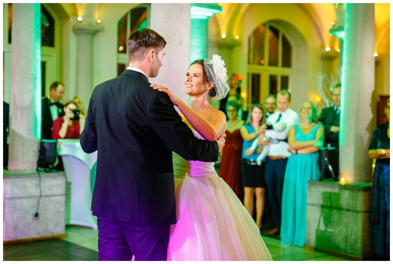 Hochzeit DJ Licht Ton Musik heiraten 21 - Hochzeits-DJ: So findet ihr den perfekten DJ für eure Hochzeit