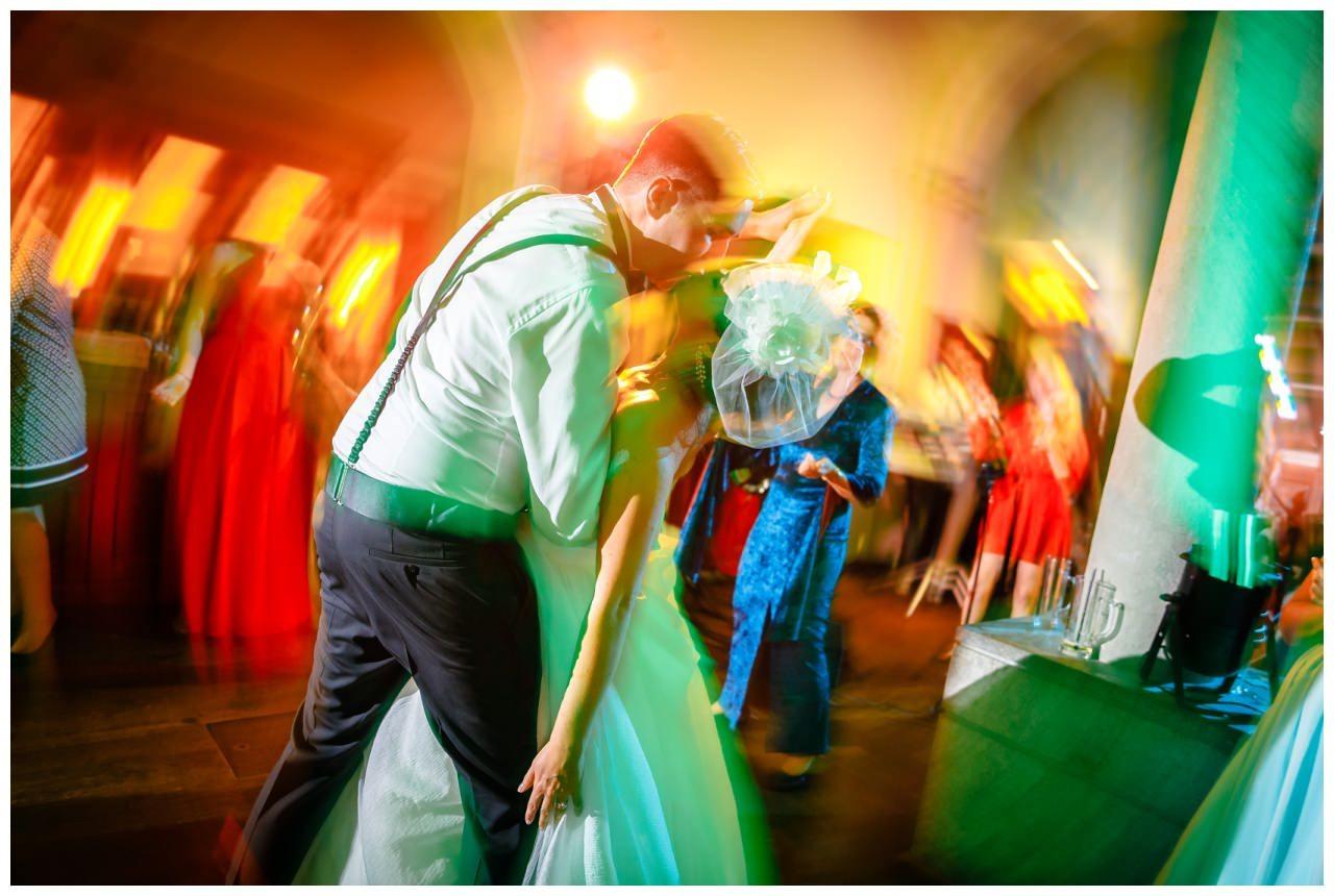 Hochzeit DJ Licht Ton Musik heiraten 23 - Hochzeits-DJ: So findet ihr den perfekten DJ für eure Hochzeit
