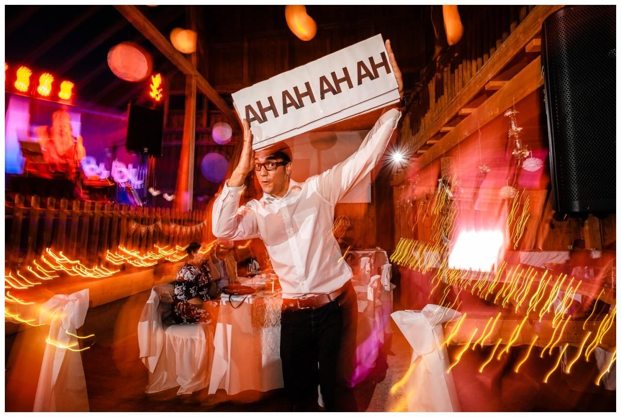Hochzeit DJ Licht Ton Musik heiraten 37 - Hochzeits-DJ: So findet ihr den perfekten DJ für eure Hochzeit