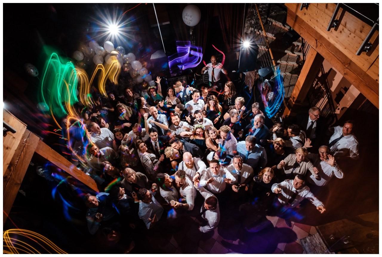 Hochzeit DJ Licht Ton Musik heiraten 56 - Hochzeits-DJ: So findet ihr den perfekten DJ für eure Hochzeit