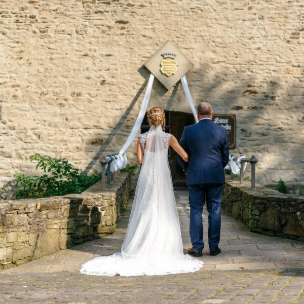 Hochzeit Haus Herbede Witten Heiraten Location Hochzeitslocation NRW Fotograf 14 600x600 - Haus Herbede in Witten - Hochzeitslocation NRW
