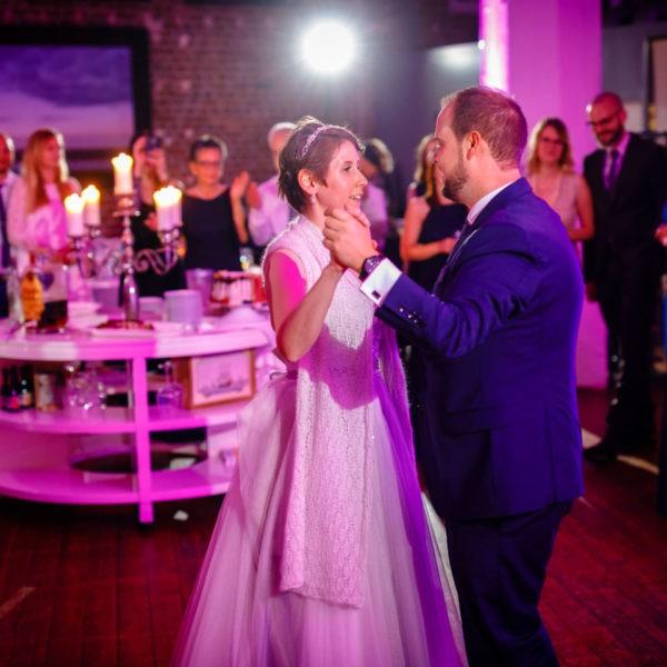 Hochzeit Küferei Krefeld Heiraten Location Hochzeitslocation NRW Fotograf 25 600x600 - Küferei Krefeld - Hochzeitslocation NRW