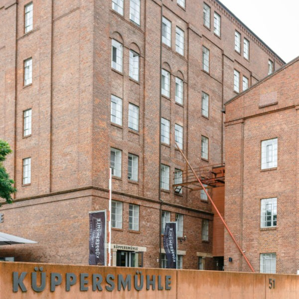 Hochzeit Küppersmühle Duisburg Heiraten Location Hochzeitslocation NRW Fotograf 1 600x600 - Küppersmühle in Duisburg - Hochzeitslocation NRW