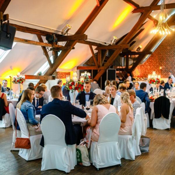 Hochzeit Kastanienhof Köln Heiraten Location Hochzeitslocation NRW Fotograf 15 600x600 - Kastanienhof in Köln - Hochzeitslocation NRW