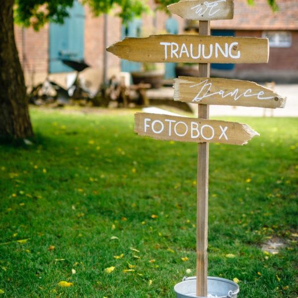 Hochzeit Kulturhof Knechtsteden Dormagen Heiraten Location Hochzeitslocation NRW Fotograf 8 600x600 - Kulturhof Knechtsteden in Dormagen - Hochzeitslocation NRW